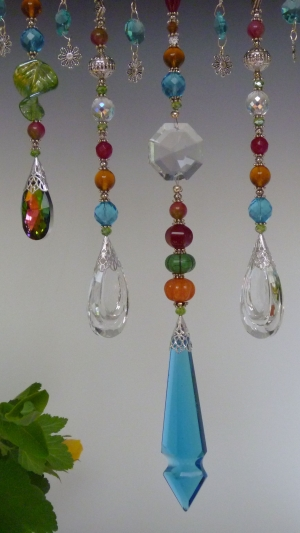 Window Necklace, Bright summer theme